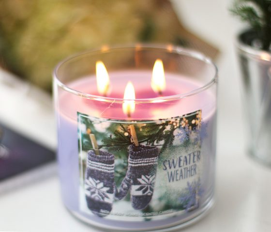 bath body works sweater weather candle