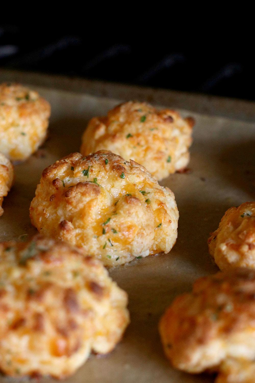 gluten free cheddar garlic biscuit recipe final biscuit
