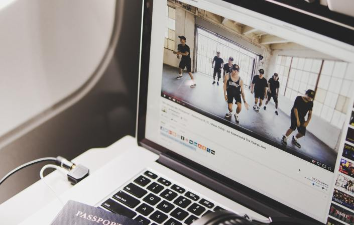 A Detailed Guide For Fashion Brands to Come Up With Their Marketing Strategies