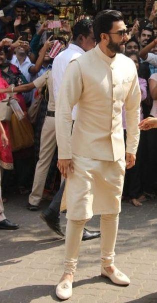 men Jutis With Indian Ethnic Wear (1).jpg