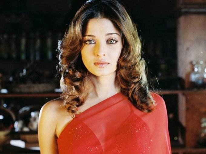 Aishwarya Rai Short Curly Hair style