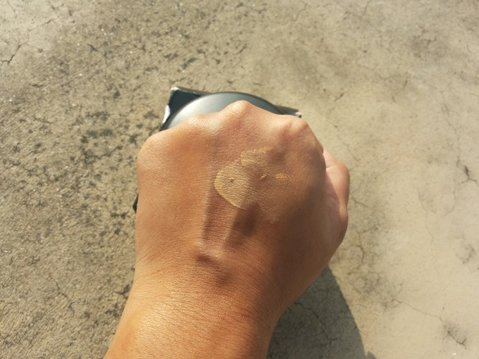 MAC Mineralize Foundation with SPF 15 Review, Swatches and FOTD swatch on hand