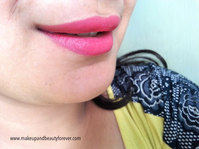 MAC Relentlessly Red Retro Matte Lipstick Review, Swatches, LOTD on lips