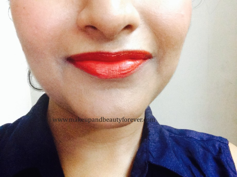 Maybelline ColorShow Lipstick Red Rush 211 Review, Swatch, Price, FOTD Lips