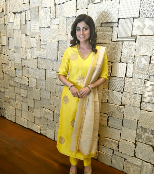 Bipasha Basu Karan Singh Grover Mehendi Ceremony Shamita Shetty