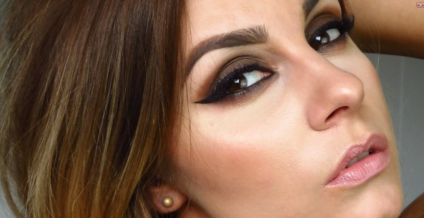 How to do Basic Eye Makeup Step Wise false eye lashes