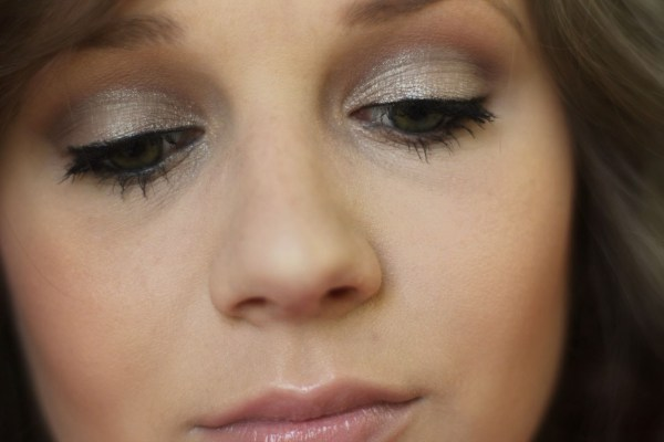 How to do Basic Eye Makeup Step Wise shimmer eye shadow