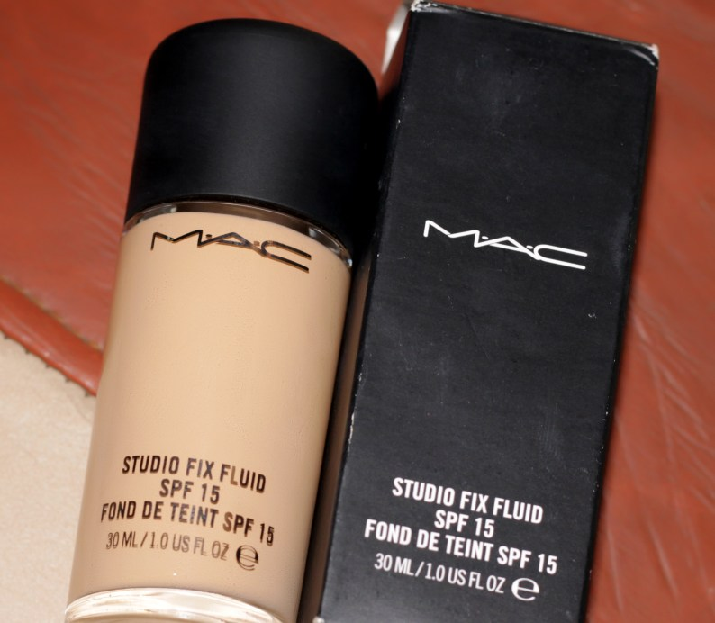 MAC Studio Fix Fluid Foundation SPF 15 Review Swatches