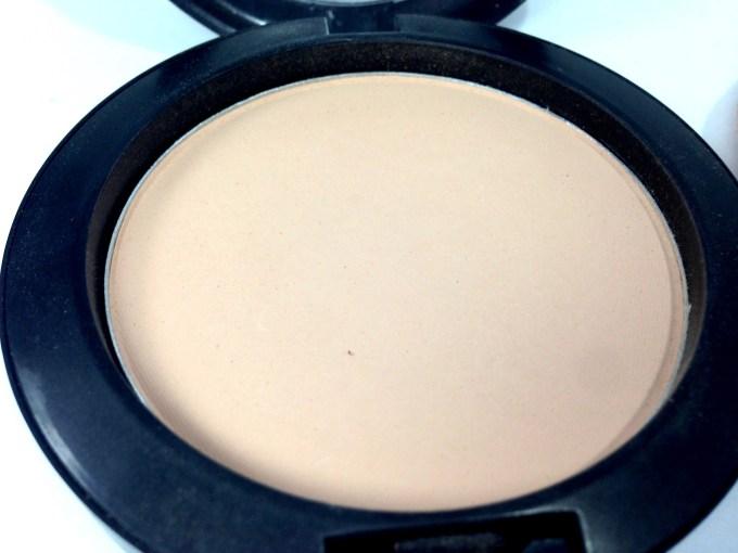 Meylon Paris Compact Powder Review close up