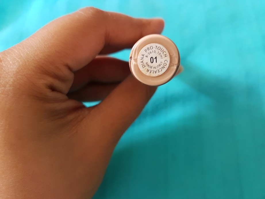 Diana of London Protouch Concealer Shade 01 Review Swatches back