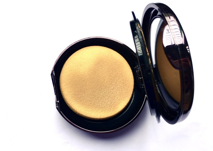 Lakme Absolute Creme Compact Review Swatches makeupandbeauty blog