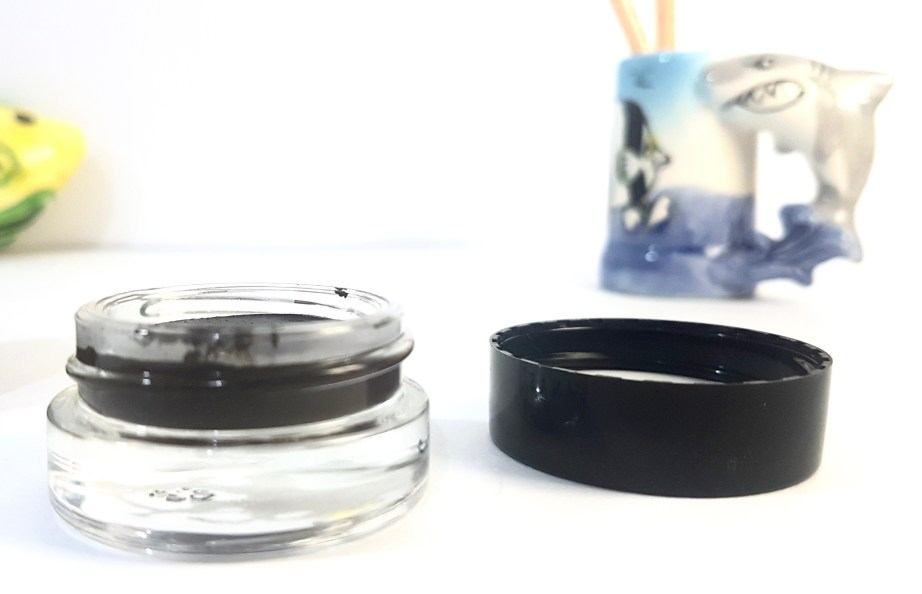 Anastasia Beverly Hills Dipbrow Pomade Review Swatches jar