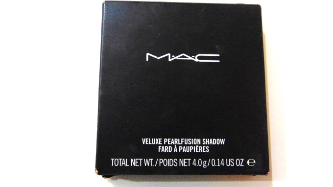 MAC Veluxe Pearlfusion Eyeshadow Palette Copperluxe Review Swatches front