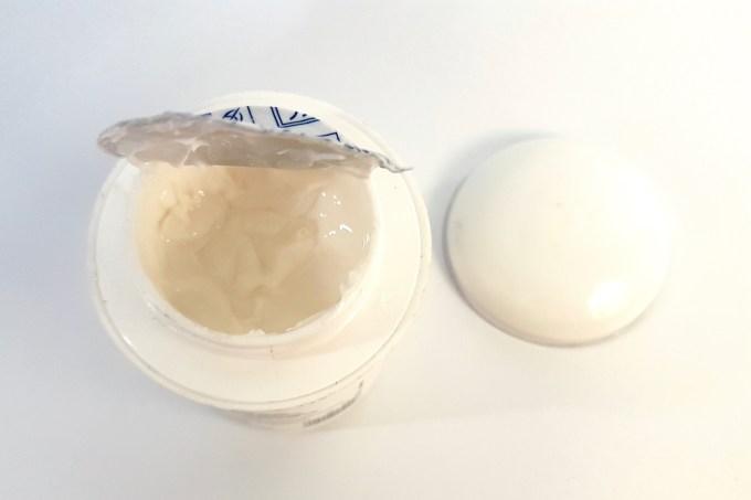 VLCC Skin Defense Liquorice Cold Cream Review 3