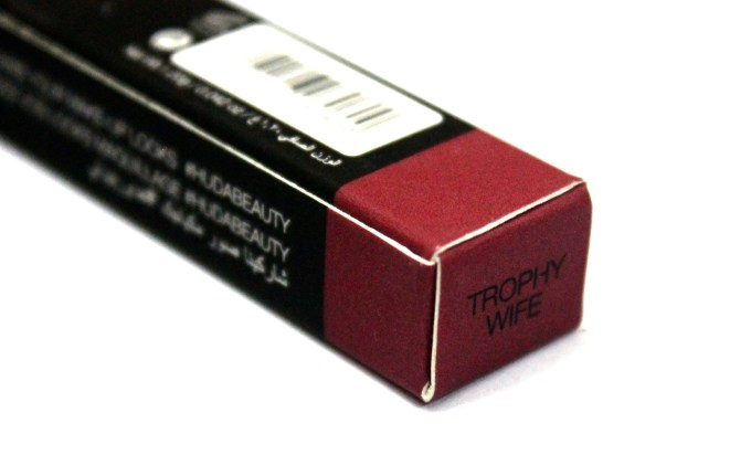 Huda Beauty Lip ContourTrophy Wife Review Swatches
