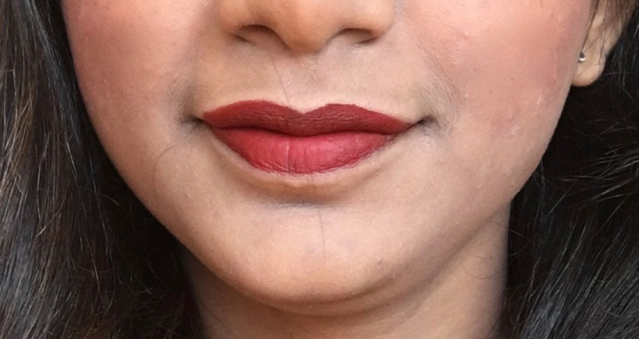 Lakme Burgundy Lush 9 to 5 Weightless Matte Mousse Lipstick Cheek Color Review, Swatches on Lips