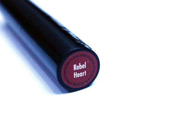 Too Faced La Matte Color Drenched Matte Lipstick Rebel Heart Review, Swatches bottom label