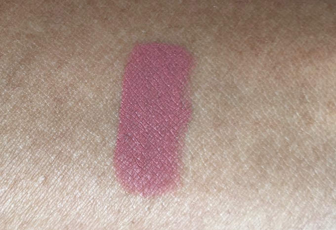 Nykaa Matteilicious Lip Crayon Next Level Nude Review, Swatches hand