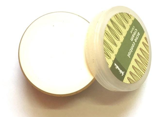 Fabindia Clove Acne Control Cream Review lid