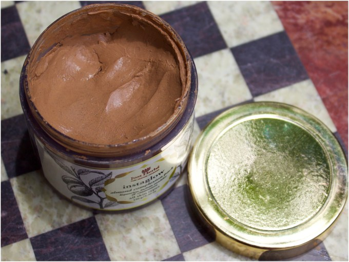 Just Herbs Instaglow Almond Complexion Face Pack Review closeup