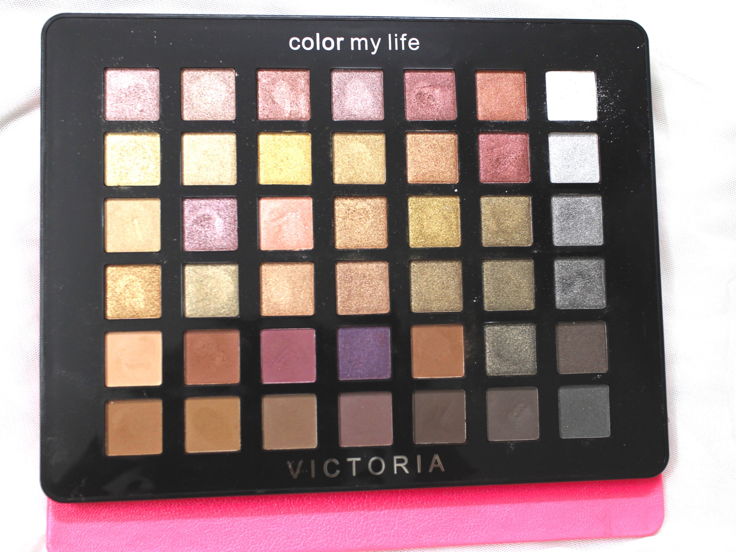 df34ee0bb3597 Victoria Note Eyeshadow Palette Review, Swatches, EOTD