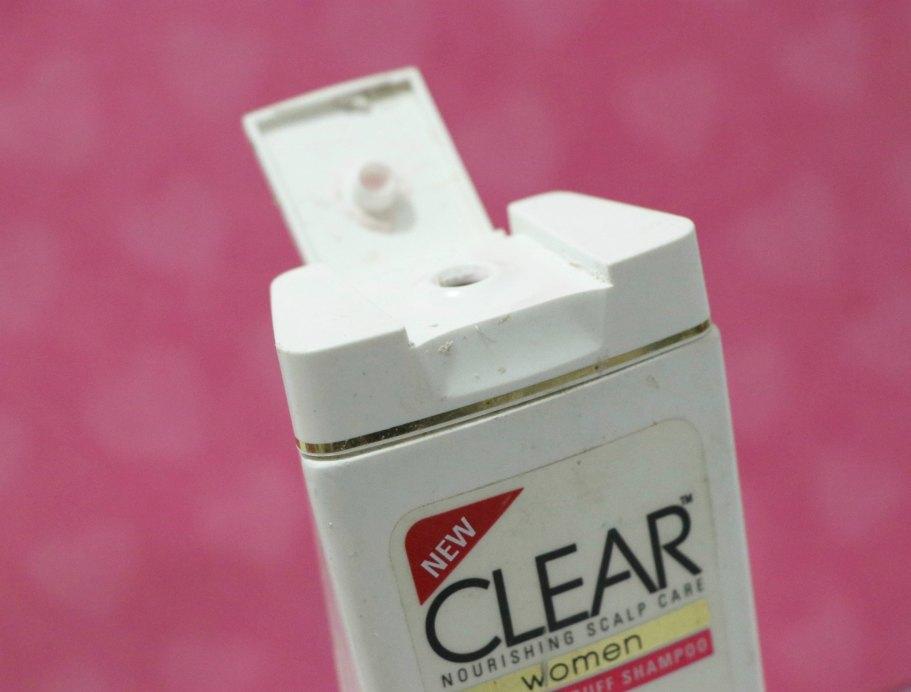 Clear Women Soft & Shiny Anti-Dandruff Shampoo open