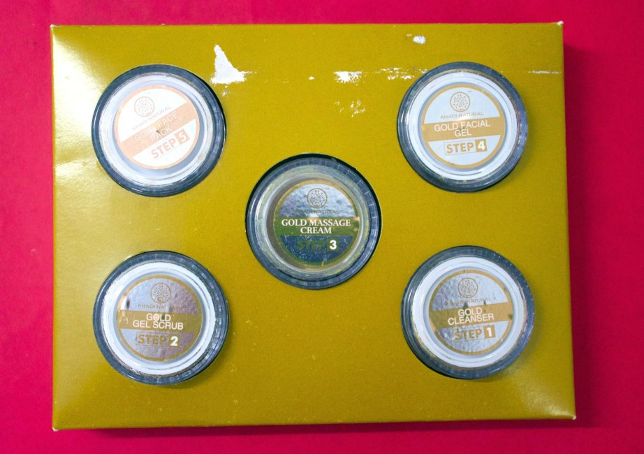 Khadi Gold Radiance Facial Kit Review, Swatches 1