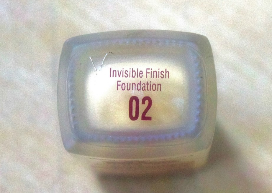 Lakme Invisible Finish Foundation Review, Swatches Shade 02