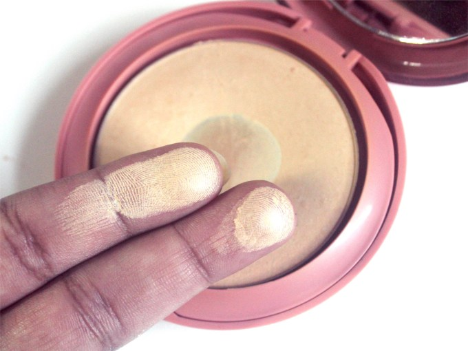 Lakme 9 to 5 Primer + Matte Powder Foundation Compact Review, Shades, Swatch