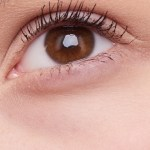 Best tips on how to apply false lashes