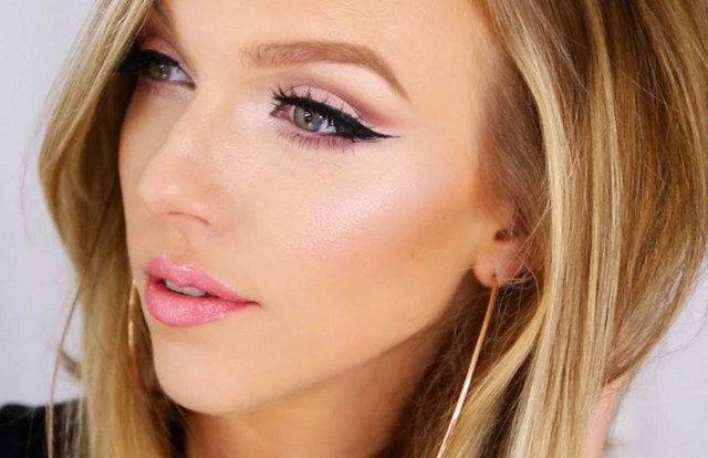 Cut Crease Eye Makeup How To Do A Cut Crease Eye Makeup Look Glamour