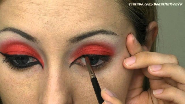 Devil Costume Eye Makeup She Devil Halloween Makeup Tutorial Youtube