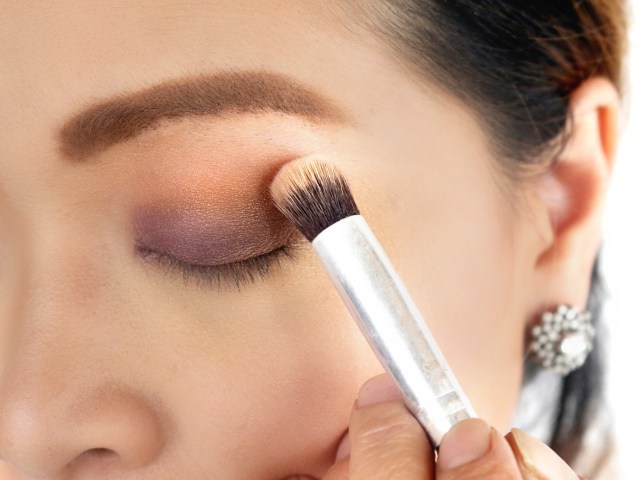 Eye Makeup For Brown Eyes Steps How To Find The Best Eyeshadow For Your Eyes 11 Steps