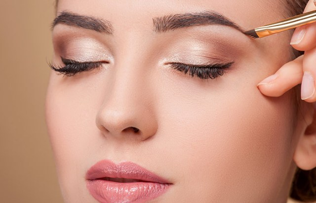 Eye Makeup For Small Eyelids 11 Magical Makeup Tricks That Make Your Small Eyes Look Bigger