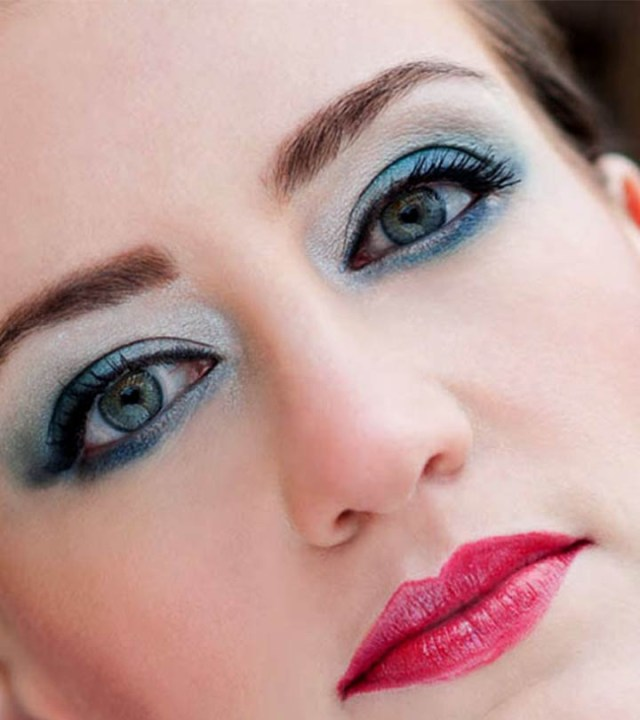 Makeup Colors For Blue Eyes How To Apply Blue Eye Shadow Perfectly