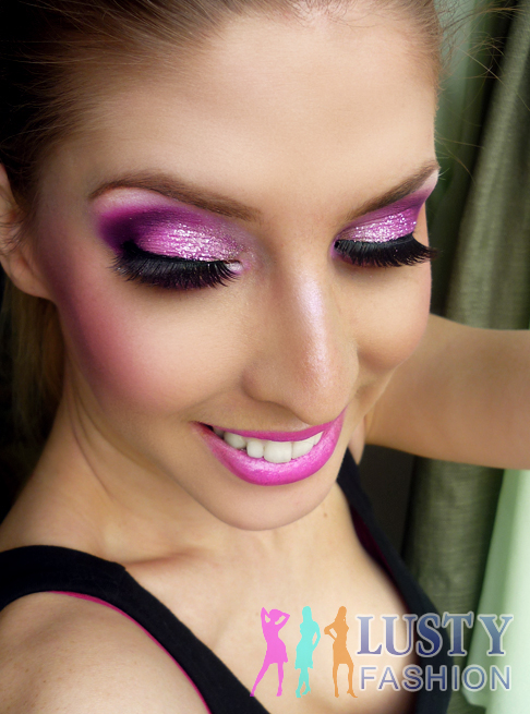 Pink And Silver Eye Makeup Pink And Silver Glitter Eye Makeup Lustyfashion