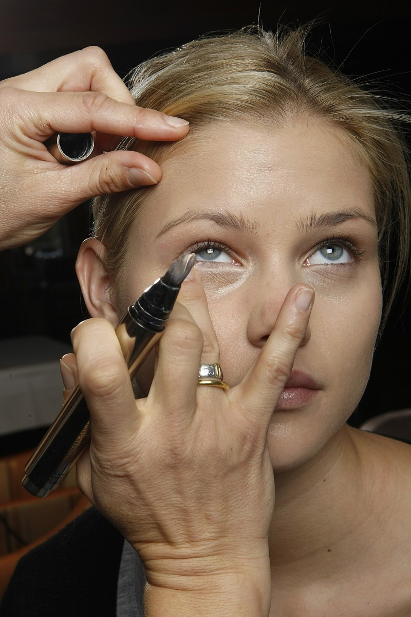 White Makeup Under Eyes How To Prevent Under Eye Concealer From Creasing And Caking Allure