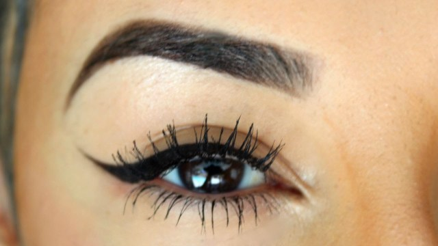 Winged Eye Makeup Eyeliner Tutorial With Maybelline Master Precise Umakeup