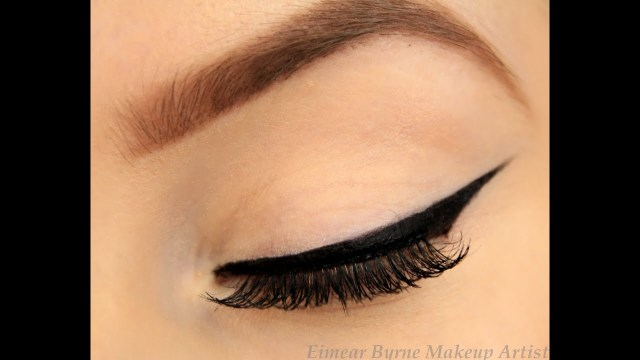 Winged Eye Makeup How To Perfect Winged Eyeliner New Technique Youtube