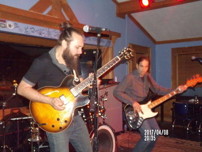 <a class=&quot;amazingslider-posttitle-link&quot; href=&quot;http://www.makingascene.org/concert-review-jeff-jensen-band-darwins-sandy-springs-ga-april-7/&quot;>Concert Review: The Jeff Jensen Band- Darwin&#39;s, Sandy Springs GA, April 7</a>