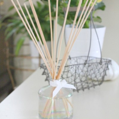 Cozy up your Home with this DIY Reed Diffuser Perfect for Fall