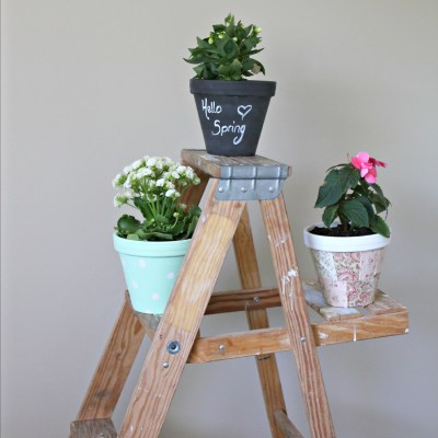 Summer Celebration: Pretty Little DIY Flower Pots