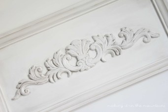 Looking to add some vintage charm and character to your painted furniture? Don't miss this brilliant tutorial: How to Age Furniture with Antiquing Powder! You won't believe how simple it was!