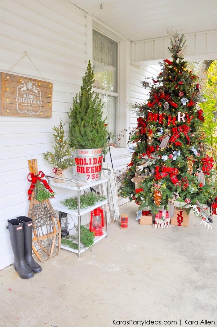 Rustic Plaid Farmhouse Christmas Tree