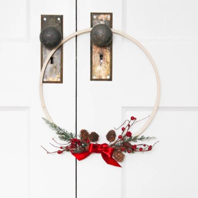 Monthly DIY Challenge: 5 Minute Christmas Wreath