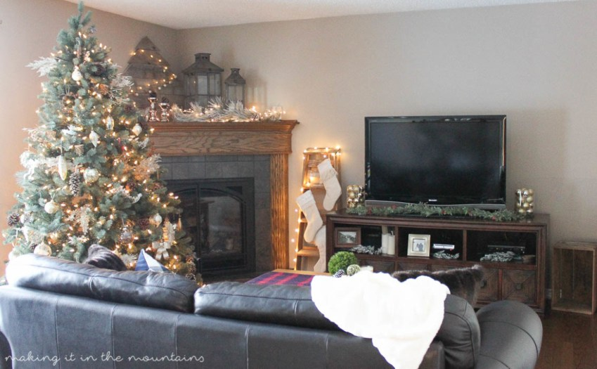 Rustic Farmhouse Christmas Home Tour