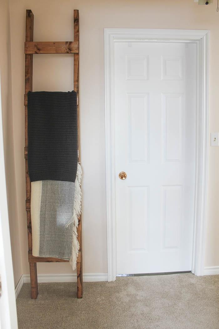 Farmhouse Style Hallway - Before | www.makingitinthemountains.com