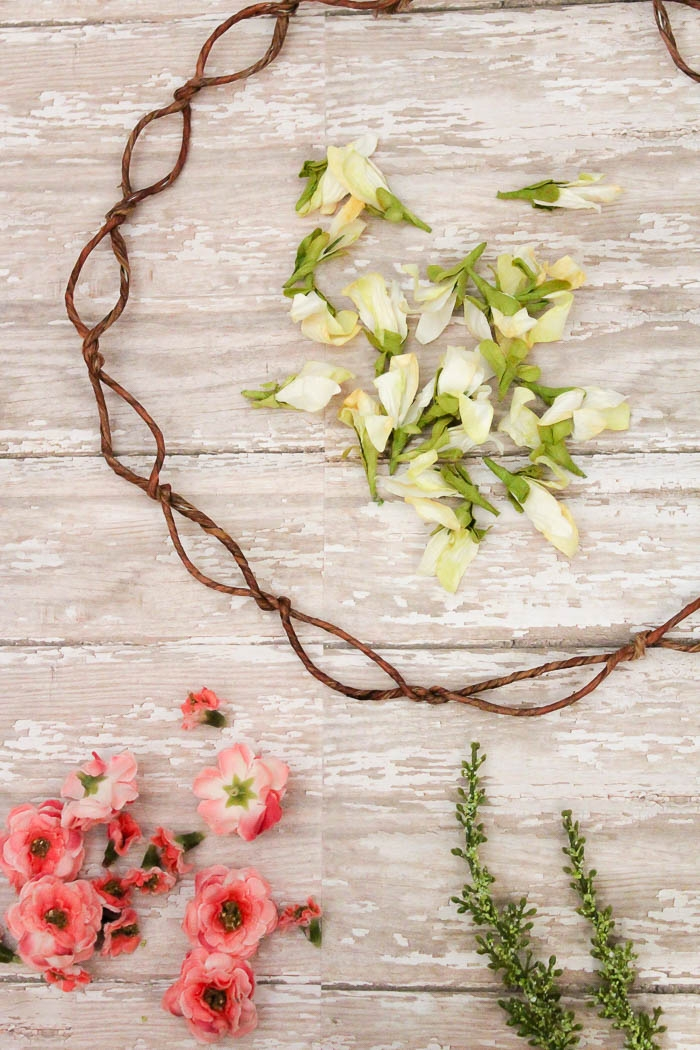 Floral Crown Inspired Spring Wreath | www.makingitinthemountains.com