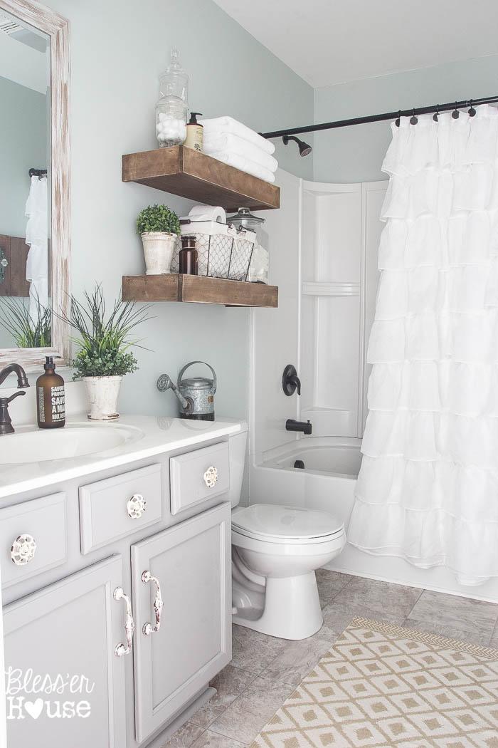 Farmhouse Bathroom Bathroom style u0026 Family Bathroom Style
