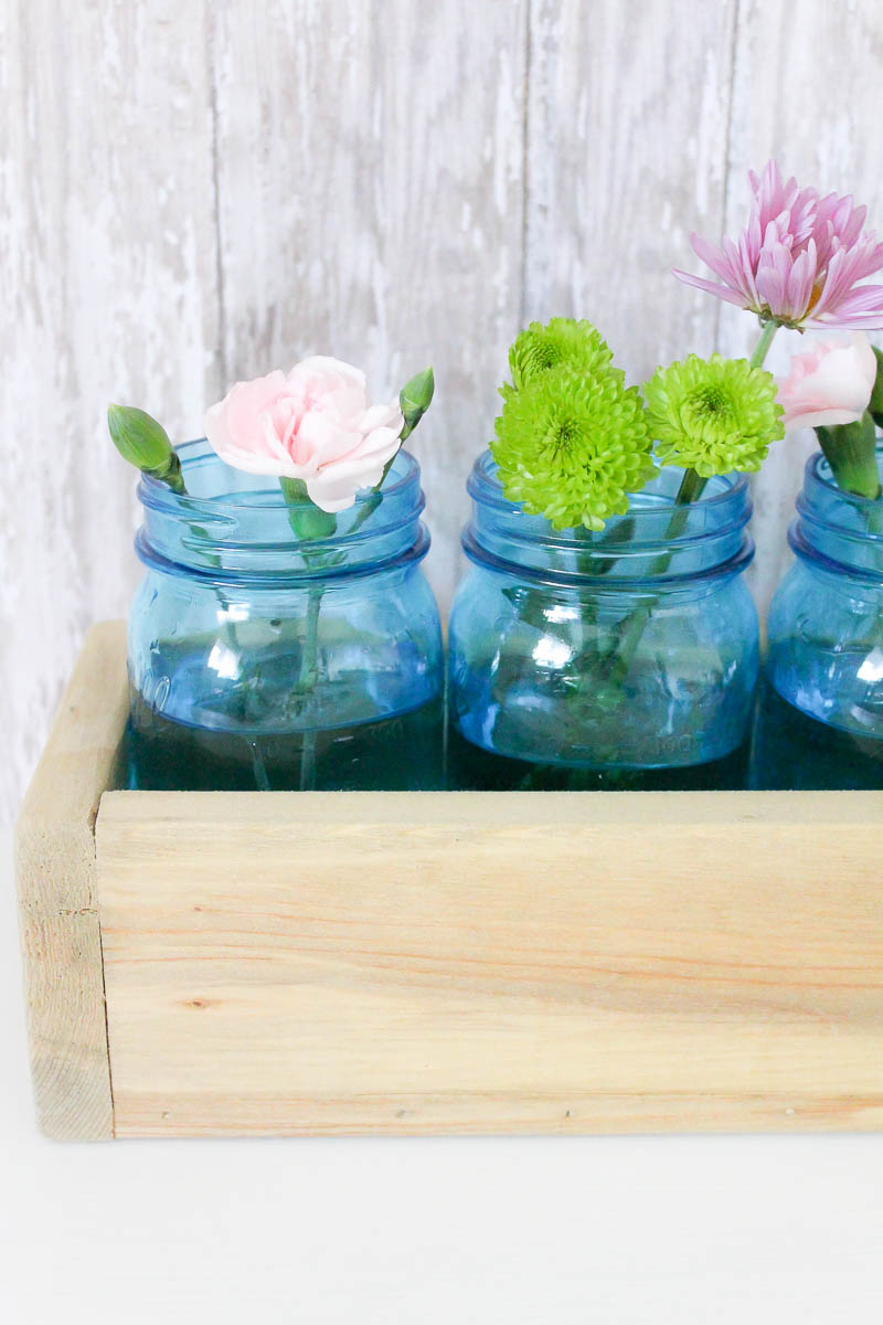 5 simple mason jar flower arrangements perfect for your spring and summer decor!